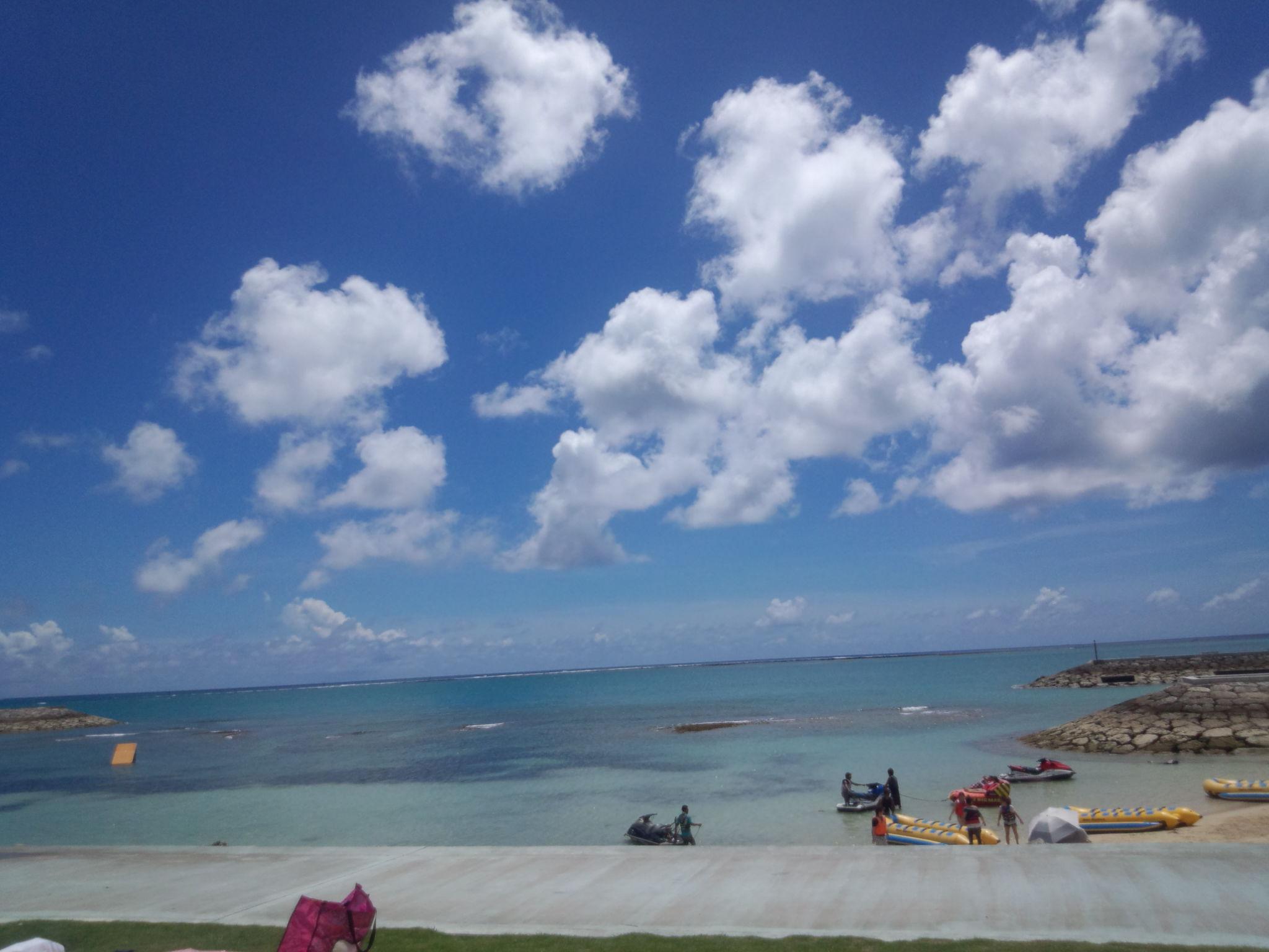 青い海 白い雲